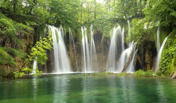 Motiv Waldwasserfall